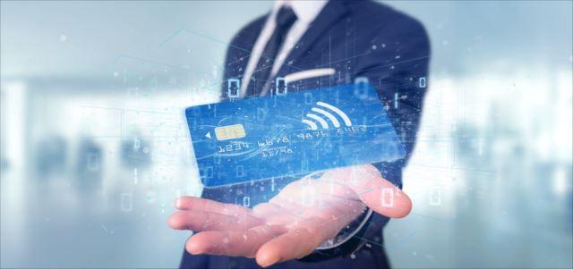 法人用のデビットカードにはどんな魅力があるのか?